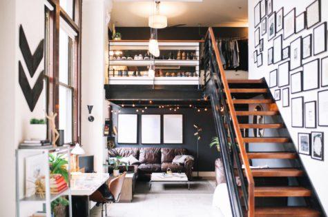Eine Treppe im Industriestil