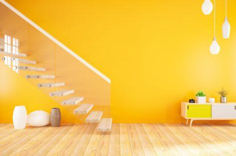 Moderne Treppe mit Glasgeländer