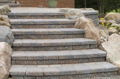 Steintreppe für den Aussenbereich