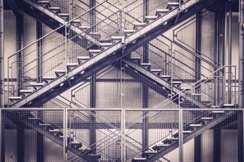 Stahltreppen im Treppenhaus