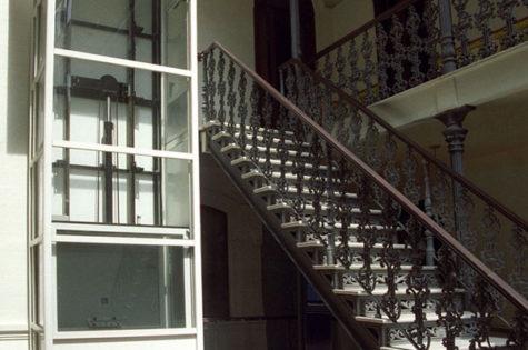 Rollstuhllift für Treppenhaus