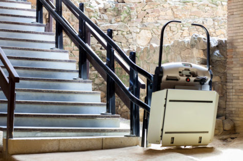 Rollstuhllift für Aussentreppen