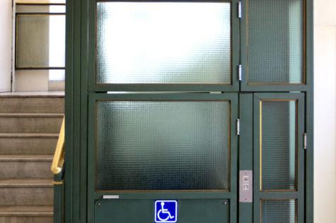 Lift für Rollstühle im Aussenbereich